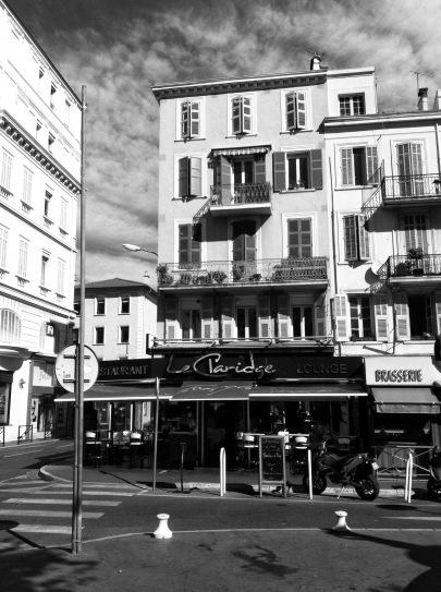 dra-cannes-restaurant-sns-1
